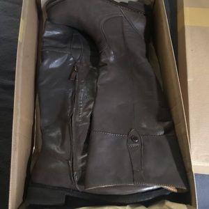 Bussola BNIB tall Leather Boots